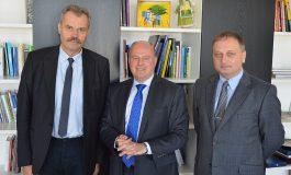 Dialog über Deutsch als Minderheit- und Muttersprache
