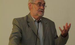 Prof. Dr. Josef Bayer: Sprachgrübelei