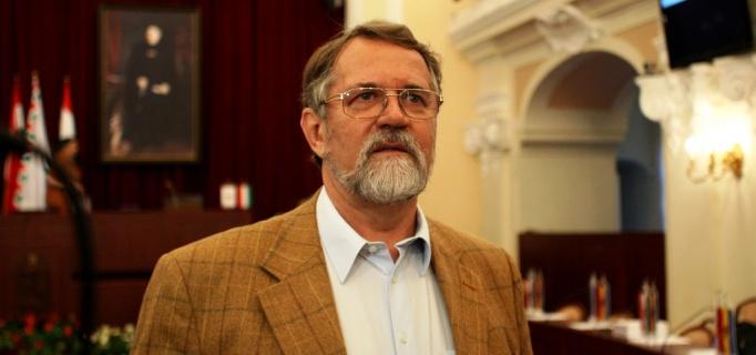 Dr. Jenő Kaltenbach: Das Dilemma der Ungarndeutschen-eine kritische Meinung