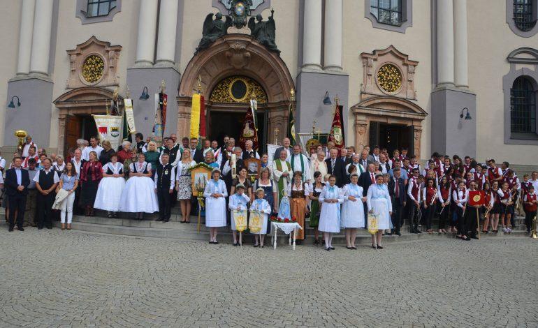 """""""Glaube stiftet Gemeinschaft"""": die 59. Gelöbniswallfahrt der Donauschwaben in Altötting"""