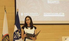 Viktória Göbl: Die stille Masse-Beobachtungen einer ungarndeutschen Studentin