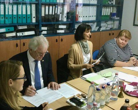 LdU: Hoffnung in der Kindergartenszene, Besorgnis bezüglich Volkszählung