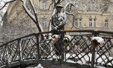 Städtebaulicher Kampf um Deutungshoheit: Imre-Nagy-Denkmal demontiert