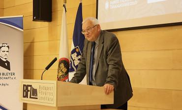 Dr. Georg Kramm: Wider die Bühnenkultur