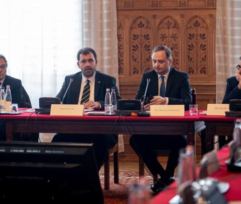 Budapester Konferenz über die Autonomie Südtirols: ein Vorbild für die Szekler?