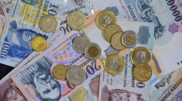 Mehr Geld erwirkt noch kein Erwachen der Volksgruppe
