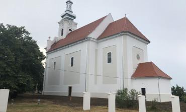 Die Geschichte der Kirche von Großnaarad