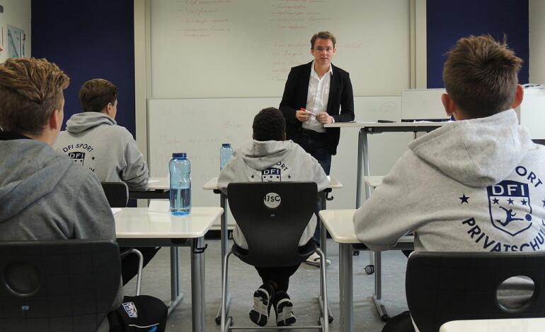 Deutsch(unterricht) an einem deutschen Nationalitätengymnasium